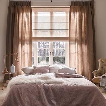 Vouwgordijnen in de slaapkamer
